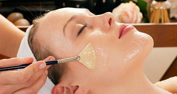 Mặt nạ sữa ong chúa là một trong những loại mặt nạ tốt nhất cho da