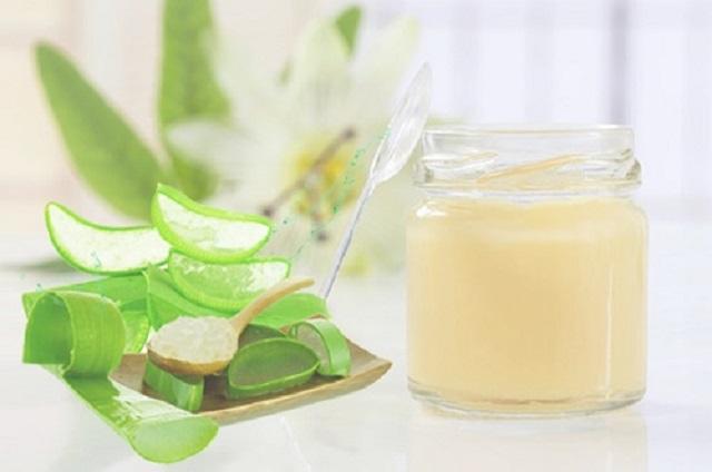 kết hợp sữa ong chúa tươi + nha đam