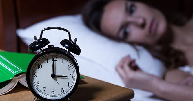 Uống sữa ong chúa giúp ngủ ngon và sâu giấc hơn