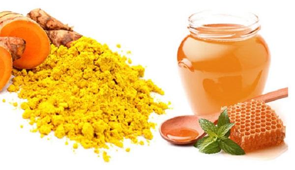 sữa nghệ mật ong còn có khả năng giải độc tốt