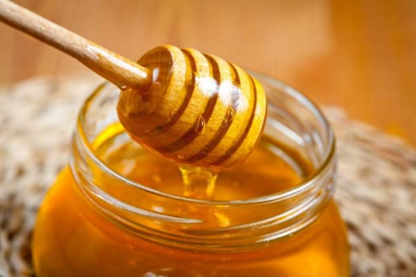 Phương pháp kết hợp mật ong trị mụn hiệu quả