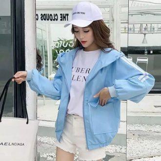 Đến với Nàng Shop bạn sẽ tìm thấy nhiều áo khoác kiểu, áo khoác kaki năng động