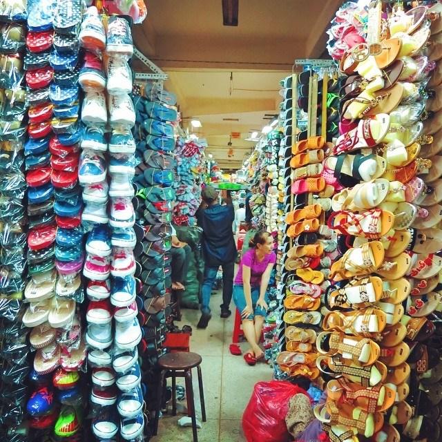Chợ giày dép giá sỉ chợ An Đông