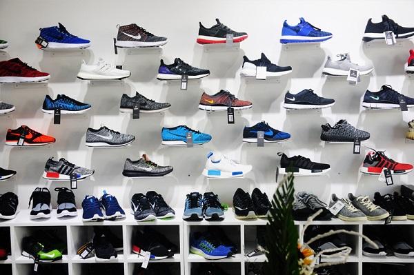 Trong top 8 shop giày dép nam Shop giày nam Caesar được đánh giá là một địa chỉ uy tín tại TP. HCM