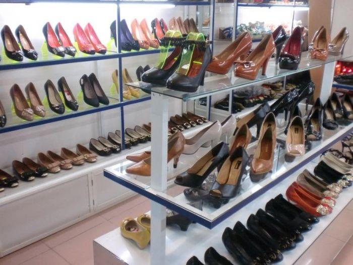 Lạ Sneakers là thiên đường mua sắm giày dép của phái đẹp
