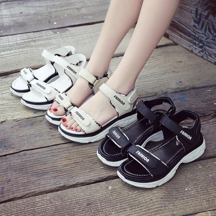 Hana's Boutique shop chính là một trong shop giày dép nữ cung cấp các mặt hàng giày dép nổi tiếng