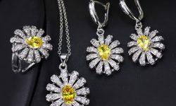 Leuleu Accessorize cũng là một trong những shop trang sức cho nữ nổi tiếng ở Hà Nội