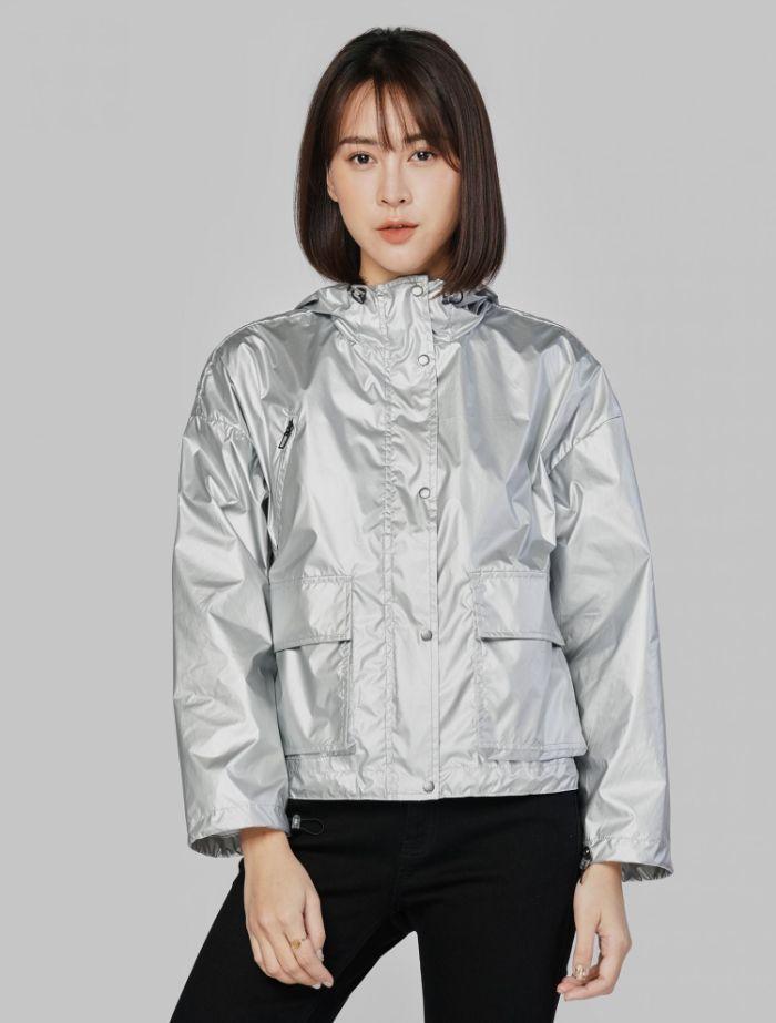 Áo gió là một trong 8 loại áo khoác thông dụng phổ biến nhất hiện nay