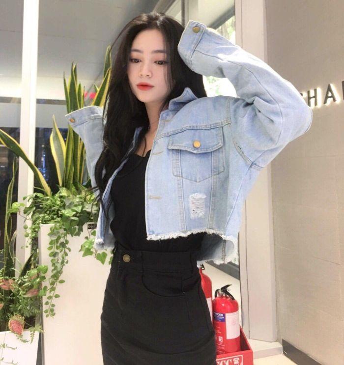 Mọi người có thể kết hợp áo khoác jean để tăng sự bụi bặm cá tính hay tăng vẻ thời trang