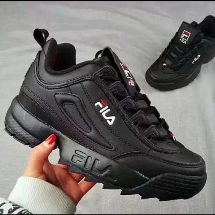 Còn chần chờ gì nữa, hãy đến ngay Giày thể thao Hà Nội để sắm cho mình một đôi giày ưng ý nào