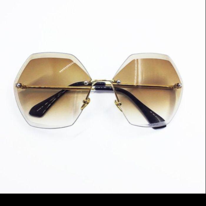Shop mắt kính Shady chắc chắn là địa chỉ đáng tin cậy nhất cho mọi khách hàng