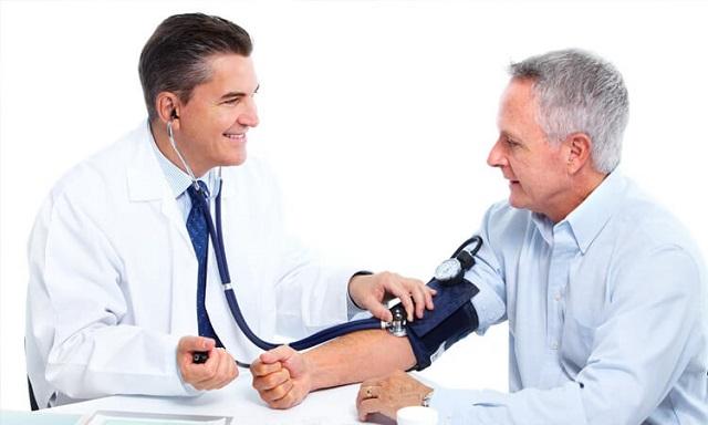 mắc bệnh huyết áp hoặc tiểu đường