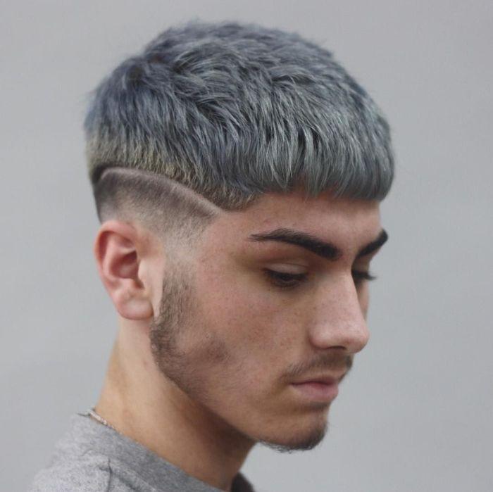 Trong số 8 kiểu tóc nam đẹp mà bài viết giới thiệu thì đây là kiểu tóc dễ kết hợp với nhiều dạng gương mặt nhất