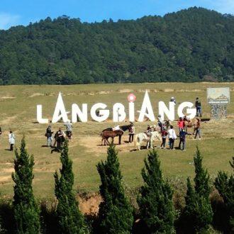 Núi Langbiang thuộc địa phận huyện Lạc Dương được ví như nóc nhà của Đà Lạt