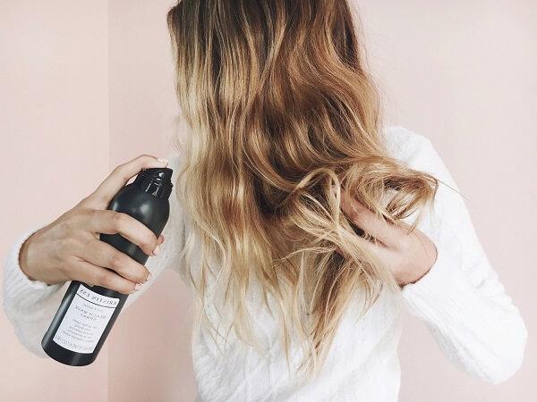 Xịt dưỡng tóc là gì?
