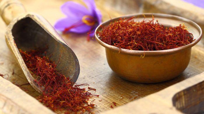 Công dụng của nhụy hoa nghệ tây saffron nổi bật nhất là hỗ trợ làm đẹp và cải thiện sức khỏe