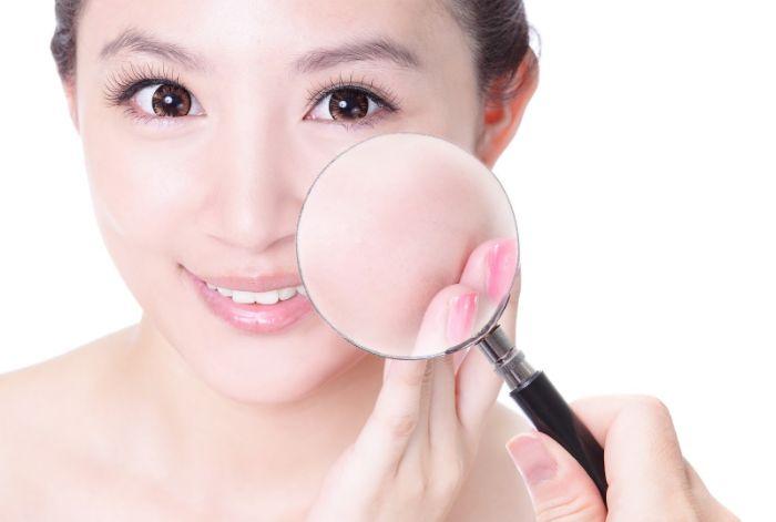 Toner làm sạch bụi bẩn, chất bã nhờn giúp da được thông thoáng và khô ráo hơn