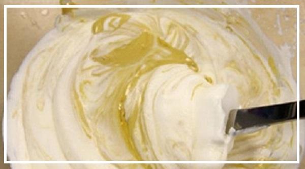 Bước 2: Cách làm vỏ bánh xu xê