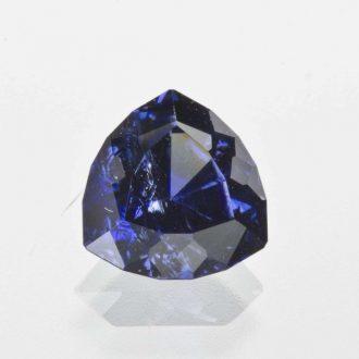 Benitoite là loại đá quý cao cấp có giá khoảng 3.000 đến 4.000 USD/carat
