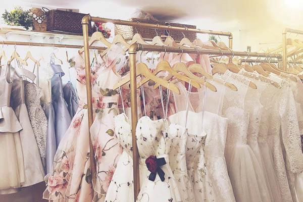 Lựa chọn cửa hàng cung cấp đầm đẹp có ý nghĩa rất quan trọng