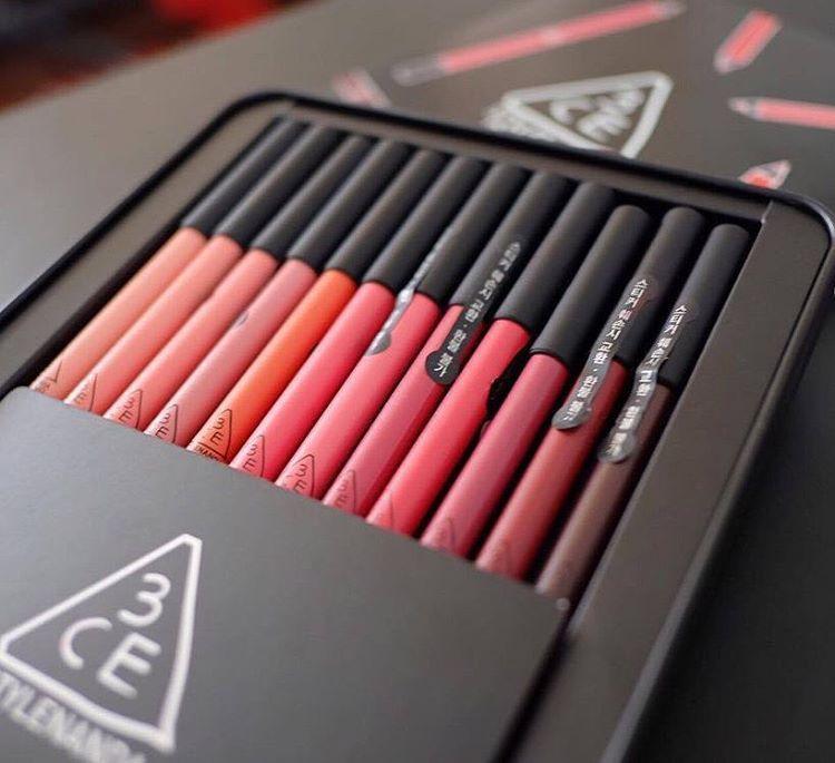 Chì Kẻ Viền Môi 3CE Drawing Lip Pen