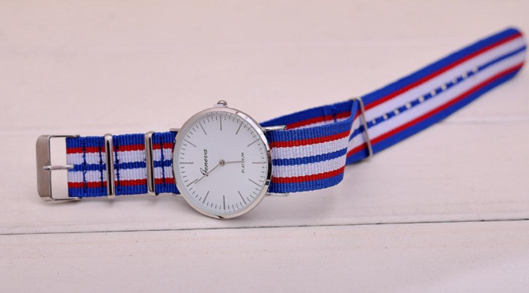 Đồng hồ Unisex dây vải nato Geneva GE002 (Xanh sọc)