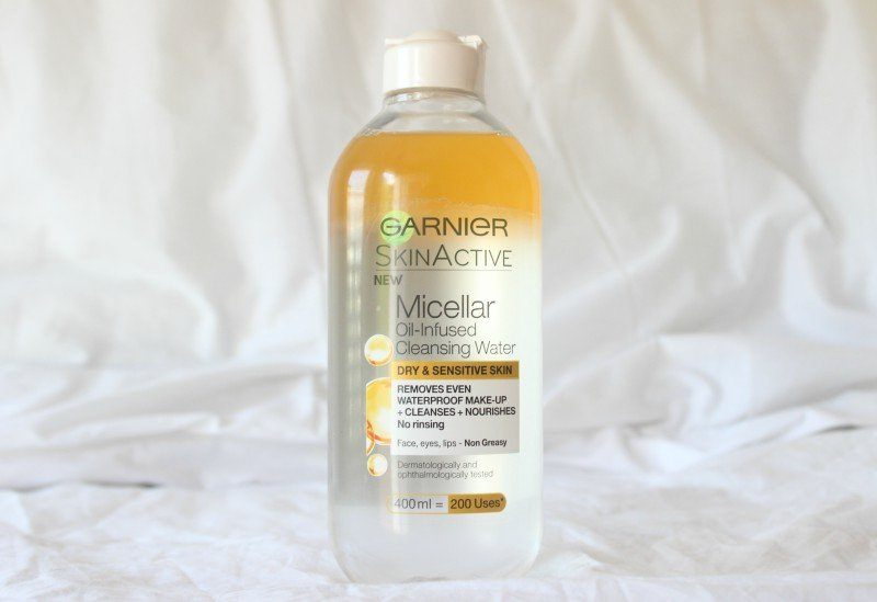 Garnier Micellar Cleansing Water Combination To Oily and Sensitive Skin nắp trắng