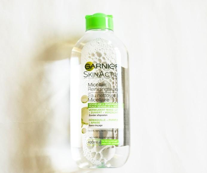 Nước tẩy trang Garnier Micellar Cleansing Water Combination and Sensitive Skin nắp xanh cho da hỗn hợp