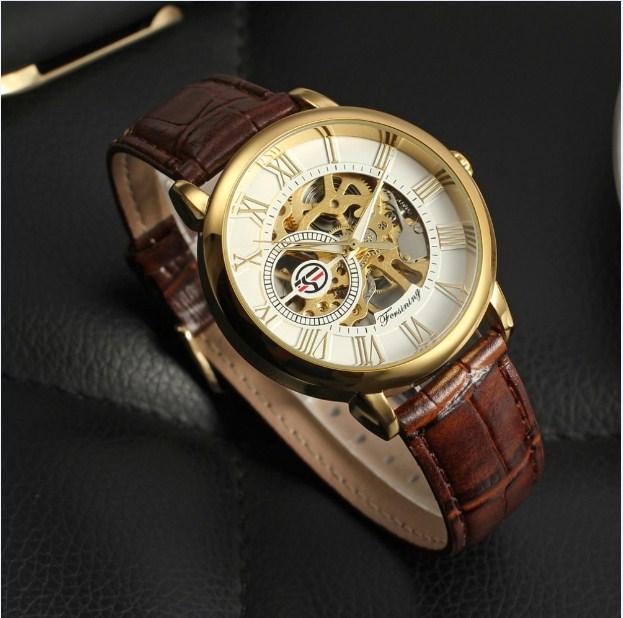 Đồng hồ cơ dây da là sản phẩm nổi bật của Forsining