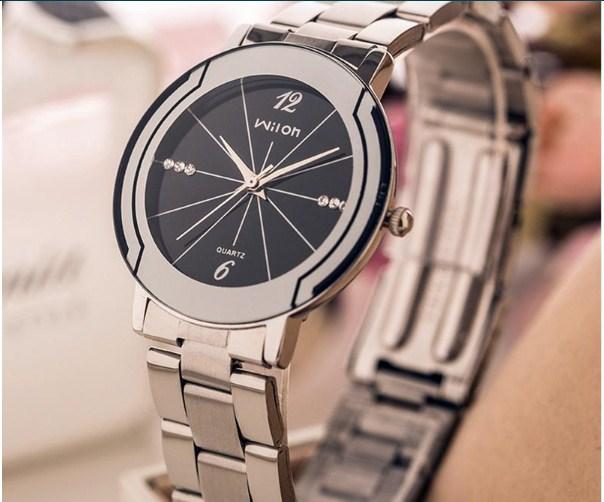 Đồng hồ nam Wilon G72-71 dây thép sang trọng.