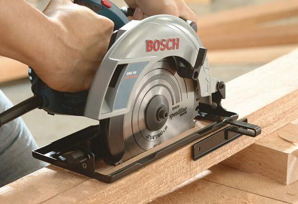 máy cưa gỗ thương hiệu Bosch?