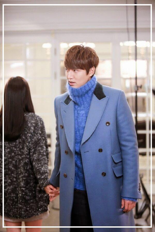 Áo khoác dạ dáng dài mix cùng áo len cao cổ